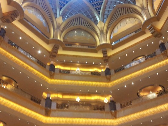 Emirates Palace : Big hall under the cupola
