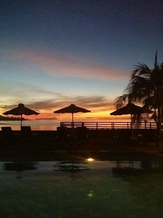 Cocotinos Manado: Sunset