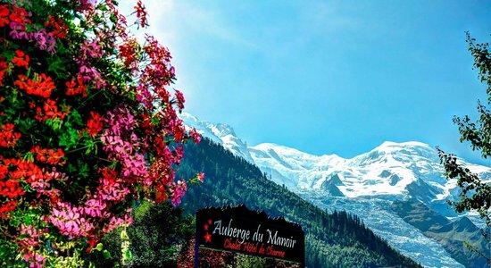 Auberge du Manoir: Vue sur le Mont-Blanc