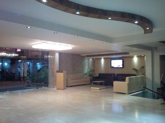 Mayur Hotel: Lobby