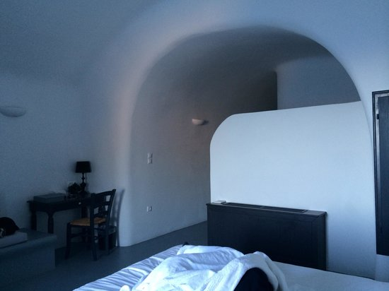Ambassador Aegean Luxury Hotel & Suites: Cave like rooms