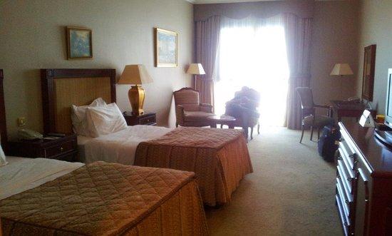 Royal Ascot Hotel: Room