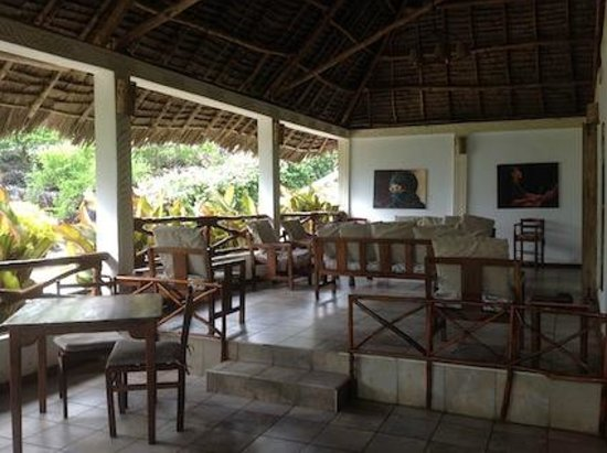 Ngalawa Beach Village: Dining and sitting-room area.
