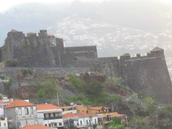 Four Views Baia: Fort vu de la chambre