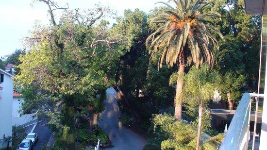 Four Views Baia: Allée du Hall d'entrée