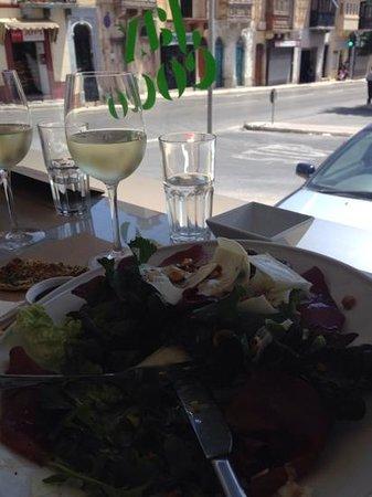The White Sheep: salat