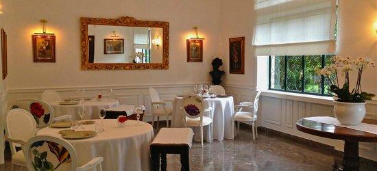 Don Geppi Restaurant - Sala interna/Indoor dining room -