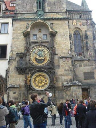 Old Town Square : часы орлой