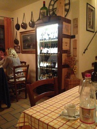 La Grotta della Rana: Extensive wine list