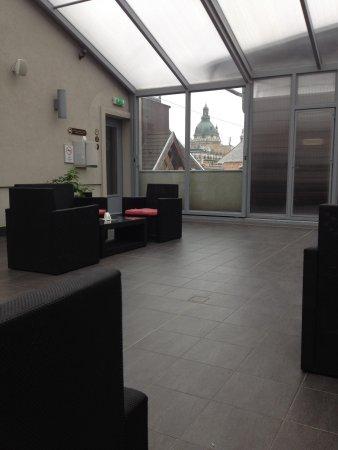 Opera Garden Hotel & Apartments: Solarium wit the view of Szent Istvan Church