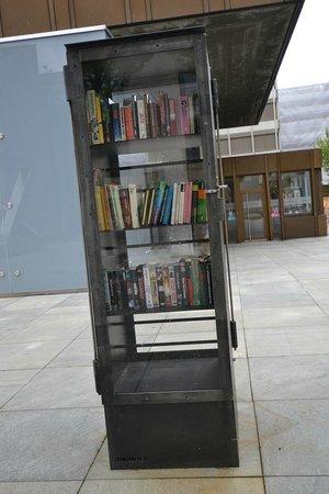 Liechtenstein Center: Вадуц - обмен книгами