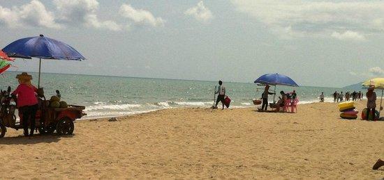 Sanya, Chiny: Пляжные торгаши
