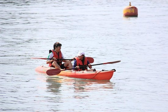Resorts World Langkawi: Kayaking near the resort