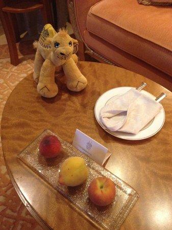 Emirates Palace: fresh fruit daily!
