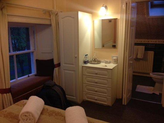 The Bonnington Guest House : attic room