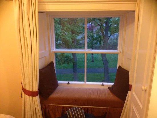 The Bonnington Guest House : attic room 2