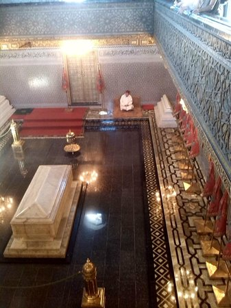 Hassan Tower : mausoleo