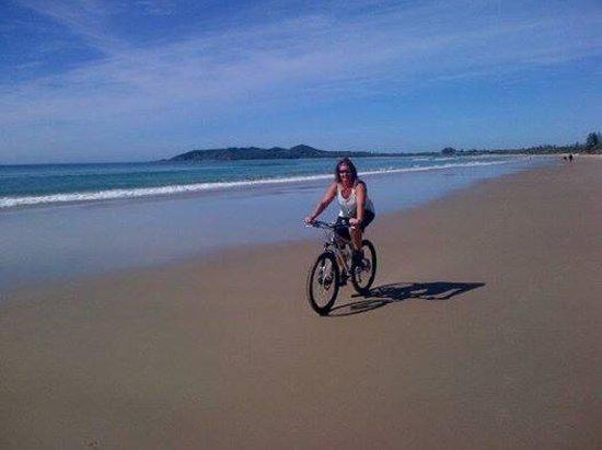 Belongil Beach: Great ride, at low tide :)