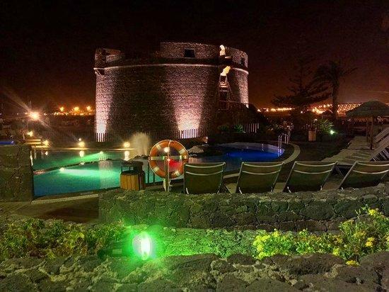 Barcelo Castillo Beach Resort: Piscina di Notte
