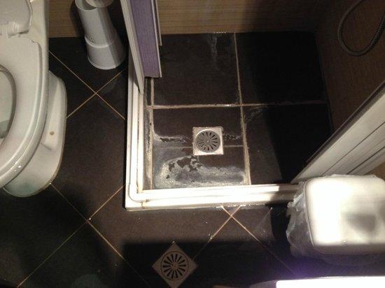 Xenones Lindos: room A6 shower
