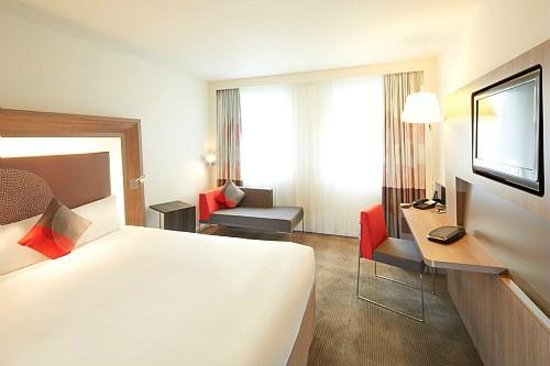 Novotel London Room Size