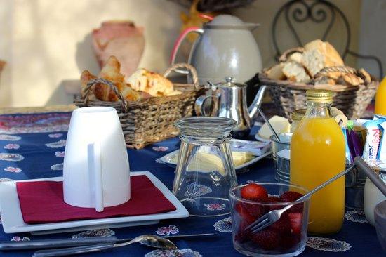 Mas de la Romane : best breakfasts!
