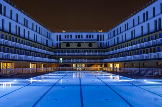 Hotel molitor paris mgallery collection maintenant for Piscine hotel paris