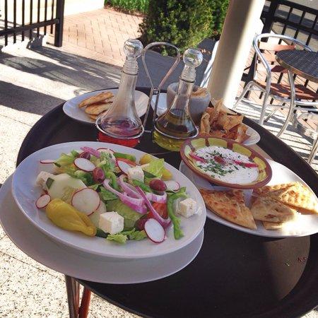 Nick's Taverna: Greek salad