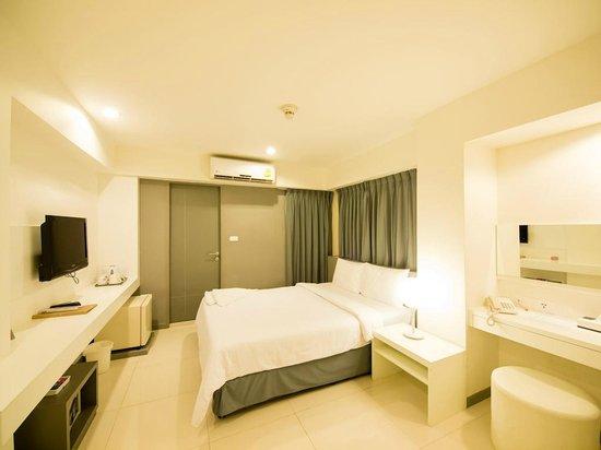Myhotel Cmyk@Ratchada: Deluxe room