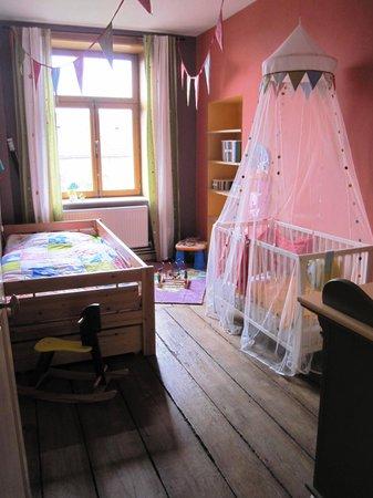 Evrehailles, Belgique : The baby's room
