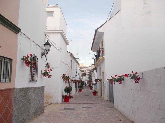 Plaza de las Flores de Estepona: А это любимая улочка