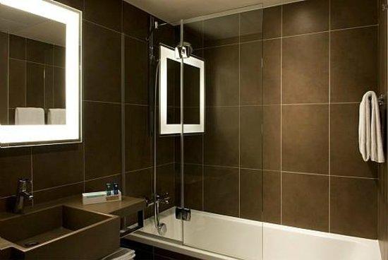 Novotel London West: Bathroom Executive Premium