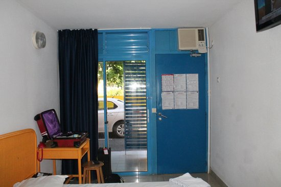 KARAIBES HOTEL : Chambre avec vue