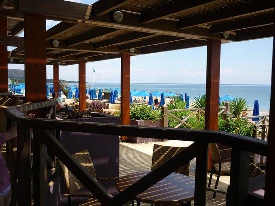 Esperides Beach Family Resort: bar plage