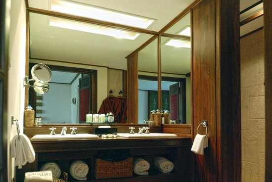Belmond Governor's Residence : Bathroom