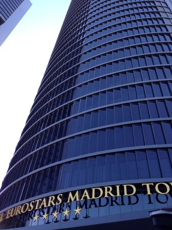 Eurostars Madrid Tower: Main Entrance
