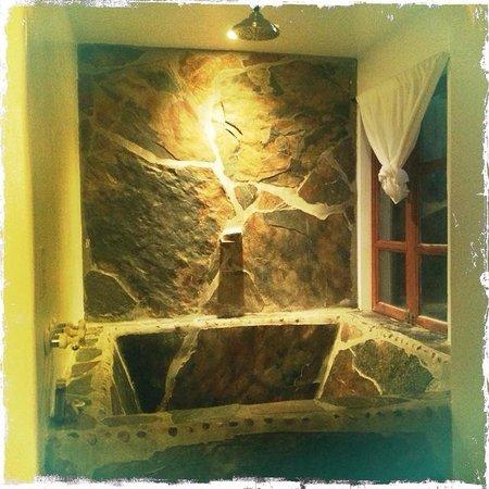 Korakia Pensione: Bath_Bedouin Suite