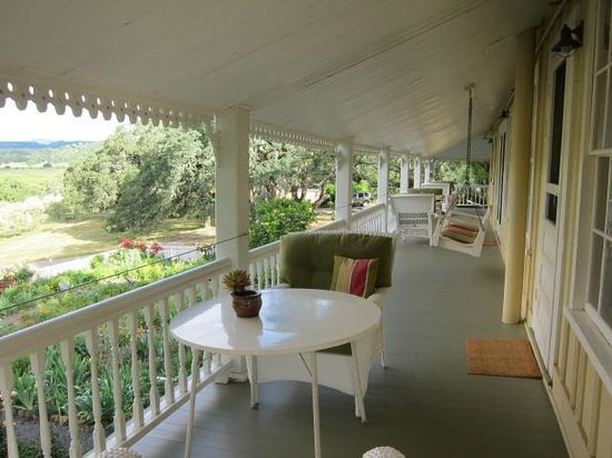 Beltane Ranch: verandah with gorgeous views