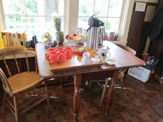 Beltane Ranch: kitchen beverage table