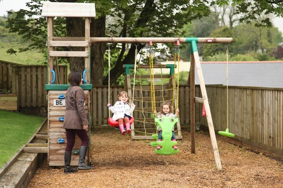 Winchfawr Lodges: The kids loved the play area