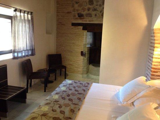 Hotel Pintor El Greco Sercotel : Our room