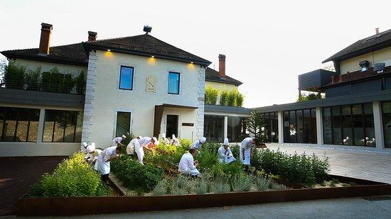 Clos des Sens : Entrée et jardin potager