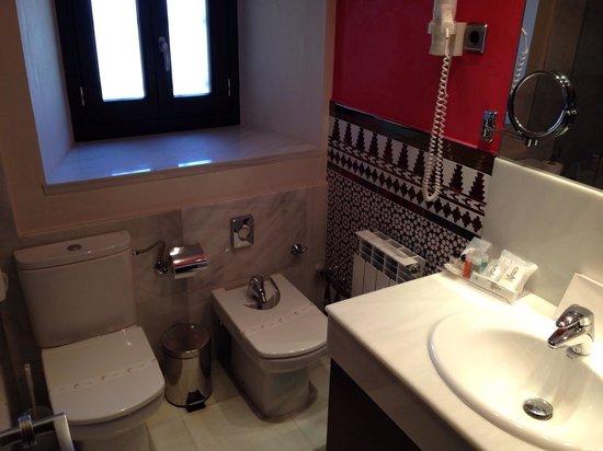 Sercotel Hotel Pintor el Greco : Bathroom