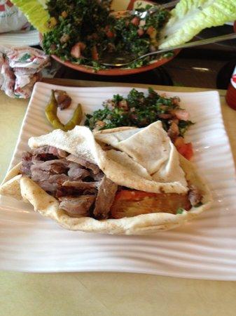 Lebanon Flower Cafeteria & Restaurant: Shwarma yummy!!!