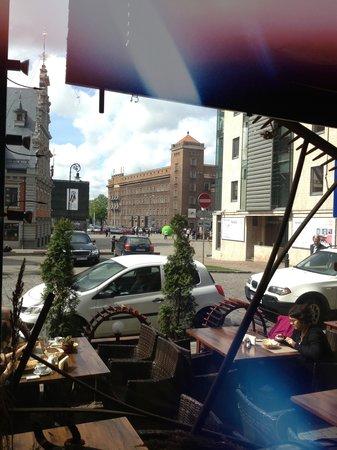 PROVINCE : Вид из окна