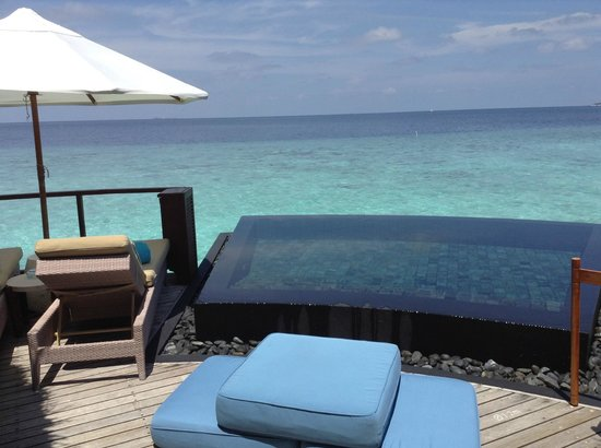 Constance Halaveli: our private pool and deck over the ocean