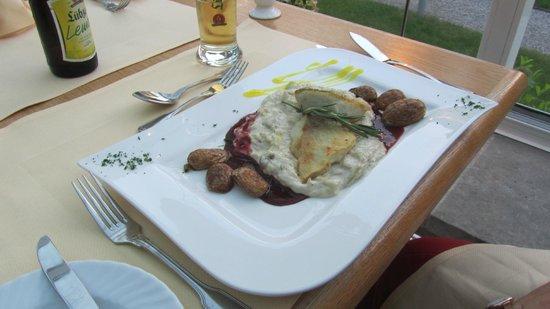 Best Western Seehotel Frankenhorst: Küche und Kunst
