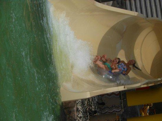 Splash Jungle Waterpark : Happy days