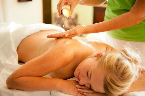 Spirit & Spa Hotel Birkenhof am Elfenhain (Ferienhotel Birkenhof KG): Massage