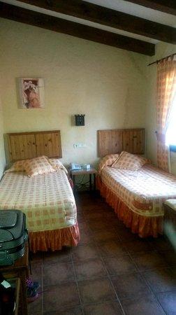 Hotel La Torre: Habitacion